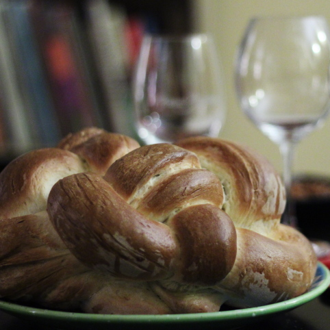Little Nibbles: Challah, Chocolate Wine, New Dim Sum