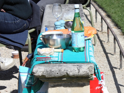 The French are Just Like us-Picnic